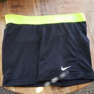 Nike Pro black and yellow